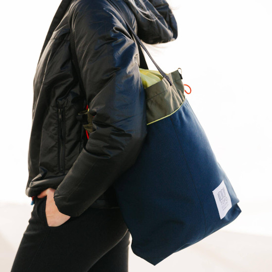 Topo Cinch Tote bag for gym or travel