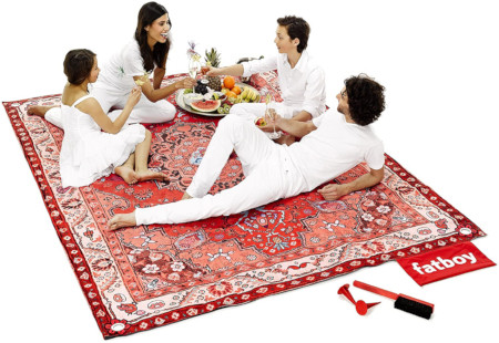 What to pack for a picnic - For beach or outdoor, this weather resistant rug is stylish for 4 adults.
