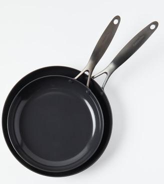 Set of 2 ceramic fry pans.