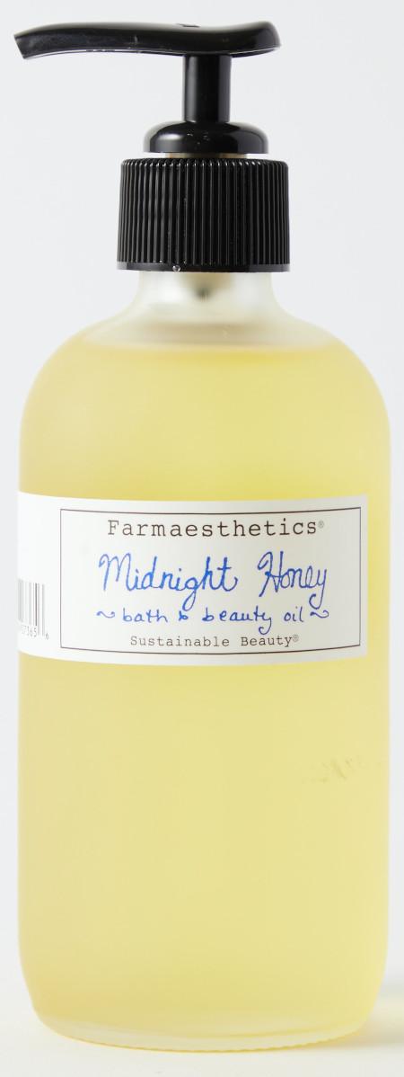 Using honey to restore the skin.