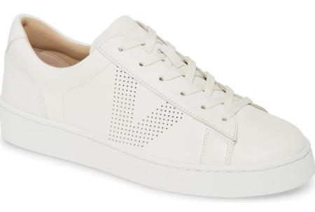 With arch support or removable insole and adjustable laces you have flexibility for max comfort.