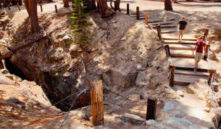 Sand Andreas Fault - Mammoth Lakes